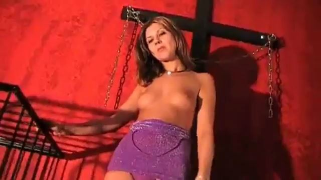 Mistress Janina In Scene: GODDESS LEGS ATTACK PART 3 - KILLERKICKS BALLBUSTING / NORTHCOAST PRODUCTIONS - LQ/360p/MP4