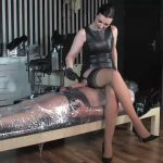 Lady Victoria Valente In Scene: The cling foil bondage slave – LADYVICTORIAVALENTE / REAL GERMAN MISTRESS – HD/720p/MP4