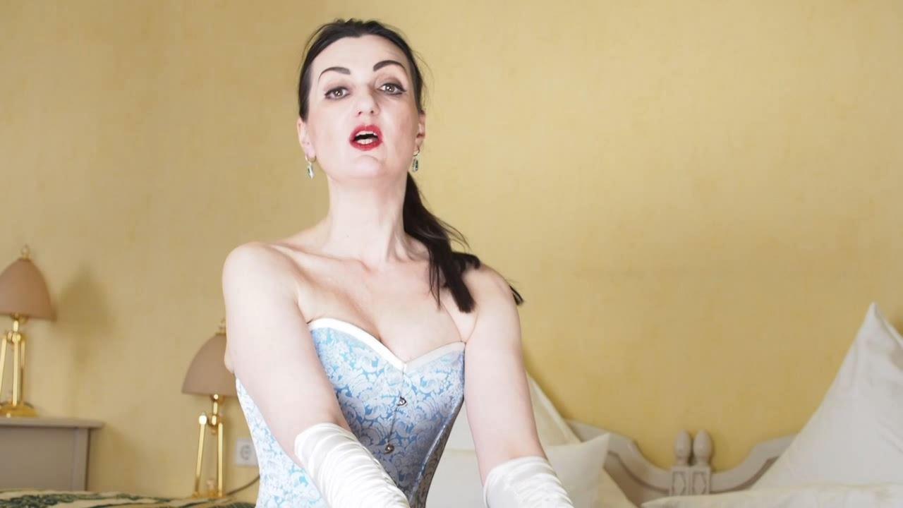 Lady Victoria Valente In Scene: The corset goddess talk - LADYVICTORIAVALENTE / REAL GERMAN MISTRESS - HD/720p/MP4