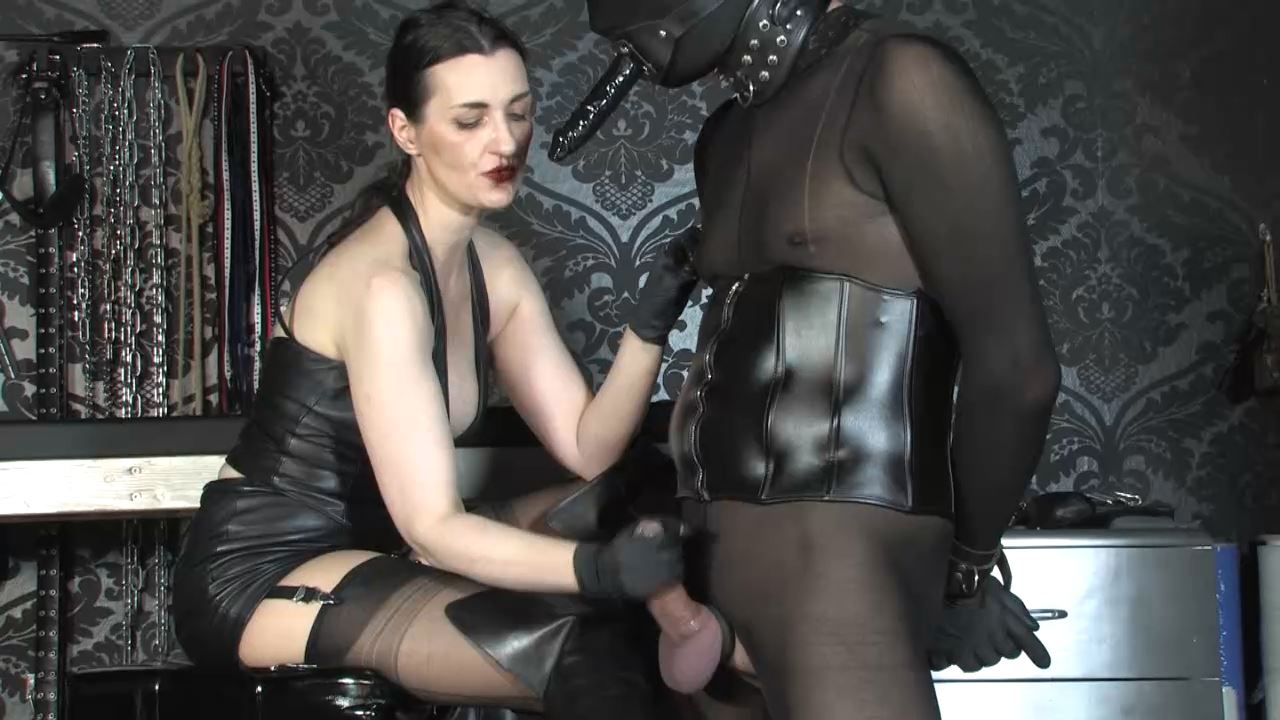 Lady Victoria Valente In Scene: Cum on my boots gagged slave pig - LADYVICTORIAVALENTE / REAL GERMAN MISTRESS - HD/720p/MP4