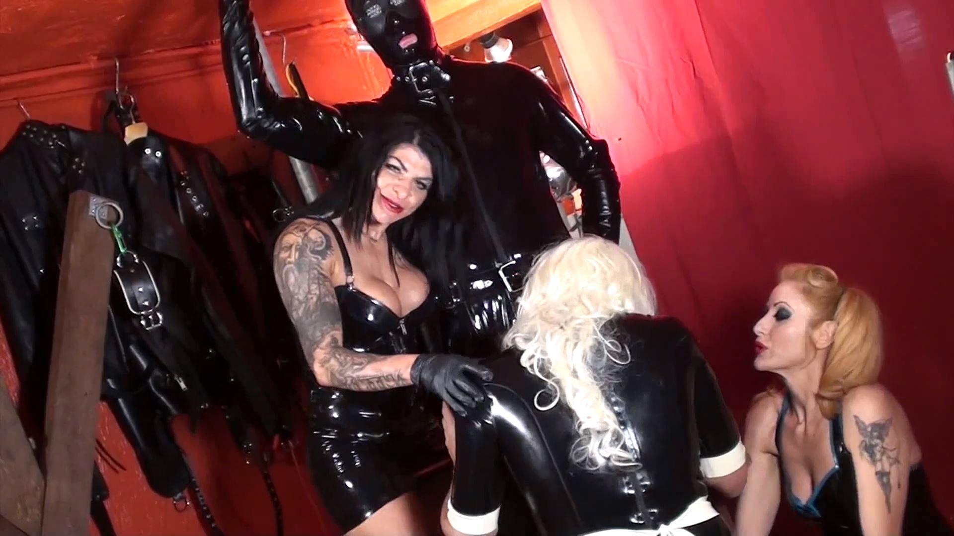 Mistress Dometria In Scene: Rubber Gimp Fucks The Maid - MISTRESS DOMETRIA BDSM CLIPS / BRIGHTONDUNGEON - FULL HD/1080p/MP4