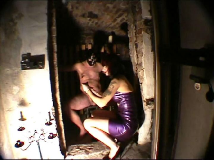 Mistress Dometria In Scene: Kidnapped Off The Streeti - MISTRESS DOMETRIA BDSM CLIPS / BRIGHTONDUNGEON - SD/576p/MP4