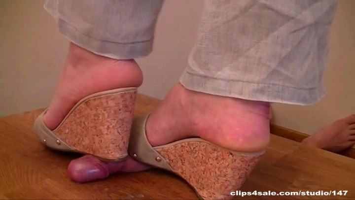 Mistress Arletta In Scene: SEXY WEDGES - ABALLS AND COCK TRAMPLE - SD/406p/MP4