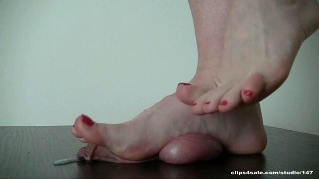 Mistress Arletta In Scene: BAREFEET TRAMPLING - ABALLS AND COCK TRAMPLE - LQ/360p/MP4
