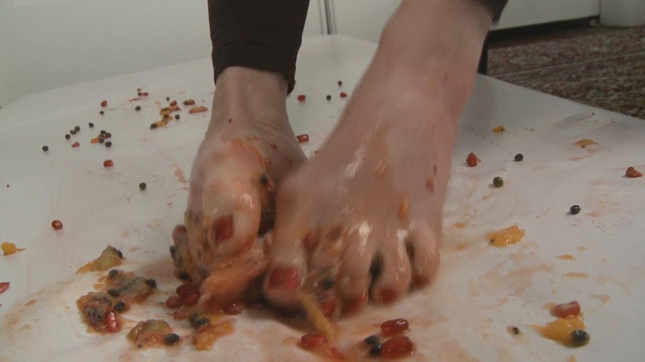 Mistress T In Scene: Foot Fruit Salad - MISTRESST - HD/720p/MP4
