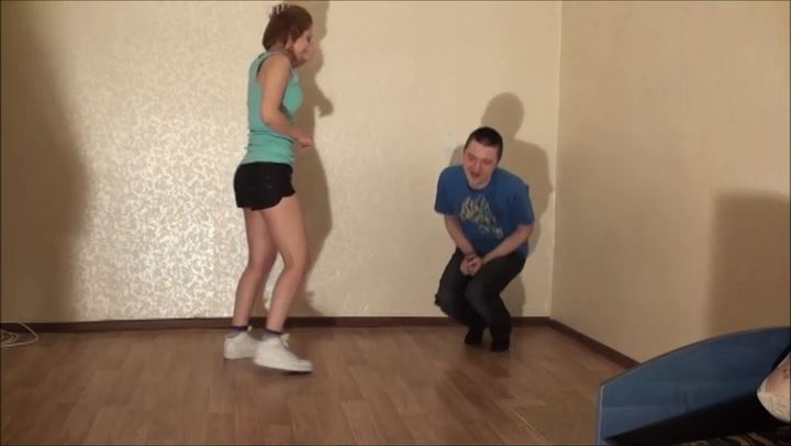LIA CHECKS HIS SNEAKERS - RUSSIAN BALLBUSTING / BALLBUSTING ROKSANA - SD/406p/MP4