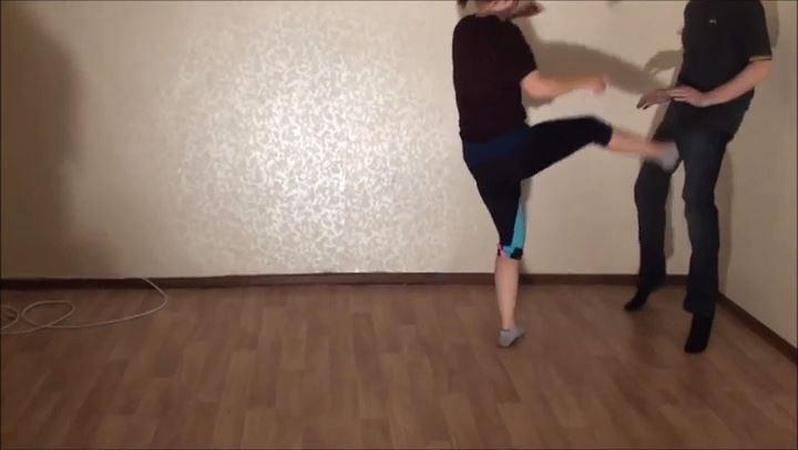 NEW GIRL LIA - RUSSIAN BALLBUSTING / BALLBUSTING ROKSANA - SD/406p/MP4