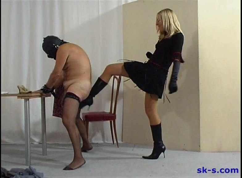 Kicking The Sissi Slave - SPIKEYSTEP VIDEO PRODUCTIONS - SD/576p/MP4