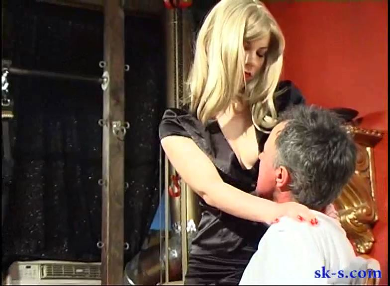 NYC Mean Face Slappers: Zita - SPIKEYSTEP VIDEO PRODUCTIONS - SD/576p/MP4