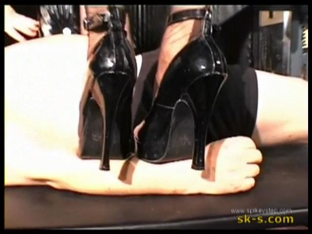Jewel Series : Scraping Trio. StilettoTrampling - SPIKEYSTEP VIDEO PRODUCTIONS - SD/480p/MP4