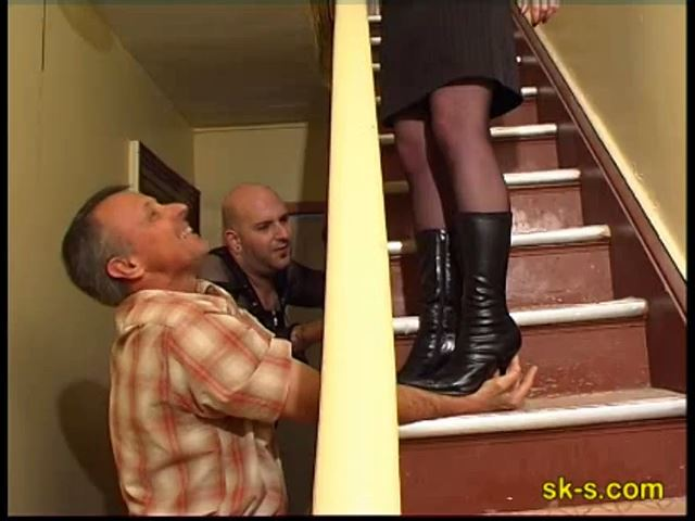 On The Stairs: Hands Trampling - SPIKEYSTEP VIDEO PRODUCTIONS - SD/480p/MP4