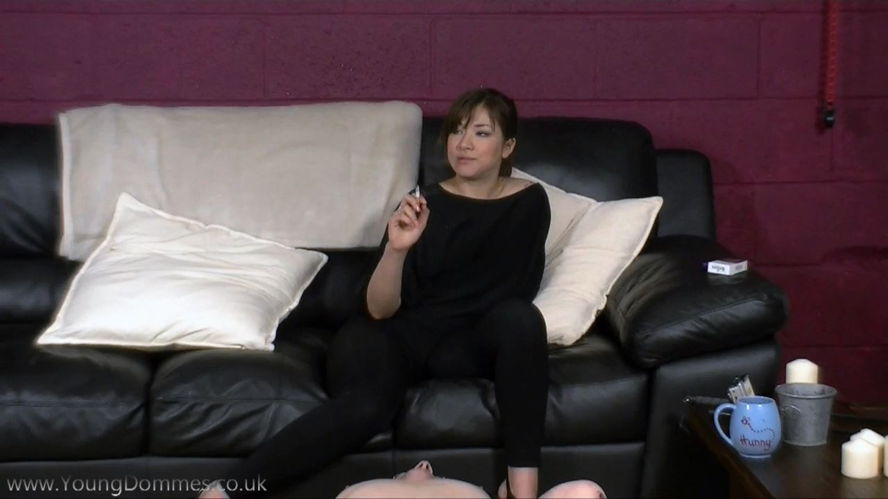 Annas Ashtray - YOUNGDOMMES - HD/720p/MP4