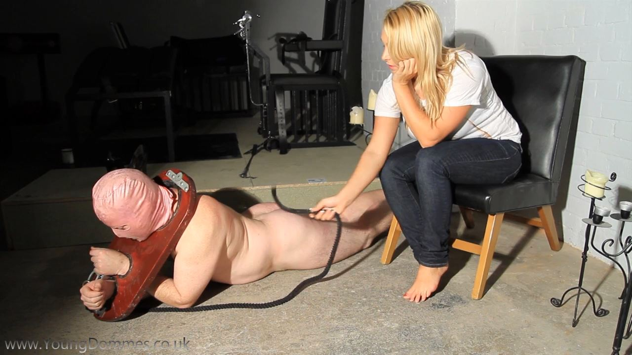 Goddes Ashleys Foot Slave - YOUNGDOMMES - HD/720p/MP4