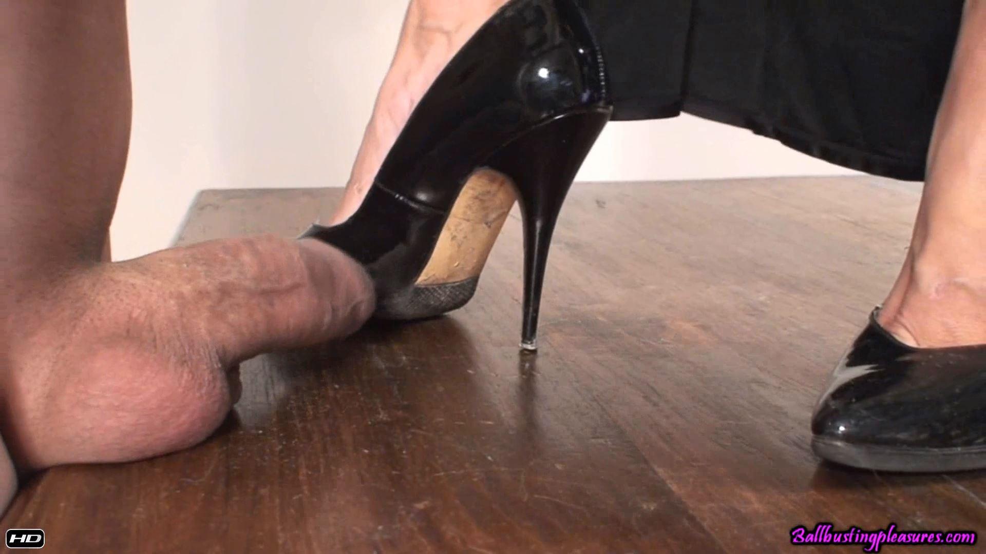 Goddess Carmen In Scene: Cock Crush - BALLBUSTINGPLEASURES - FULL HD/1080p/MP4