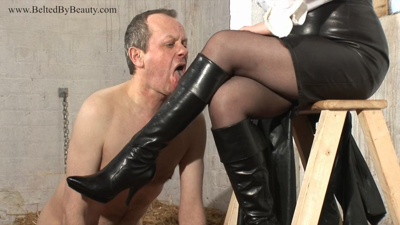 Mistress Rebekka In Scene: Her Leather Boots - THEBRITISHINSTITUTION - HD/720p/MP4