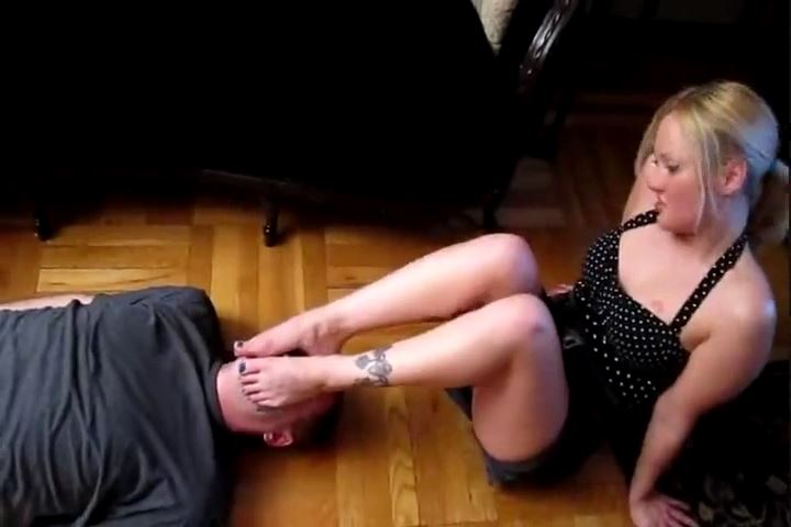 Miss Stephy In Scene: Forced To Endure Miss Stephy`s Abusive Feet - CRUDELIS AMATOR BALLBUSTING FETISH - SD/480p/MP4