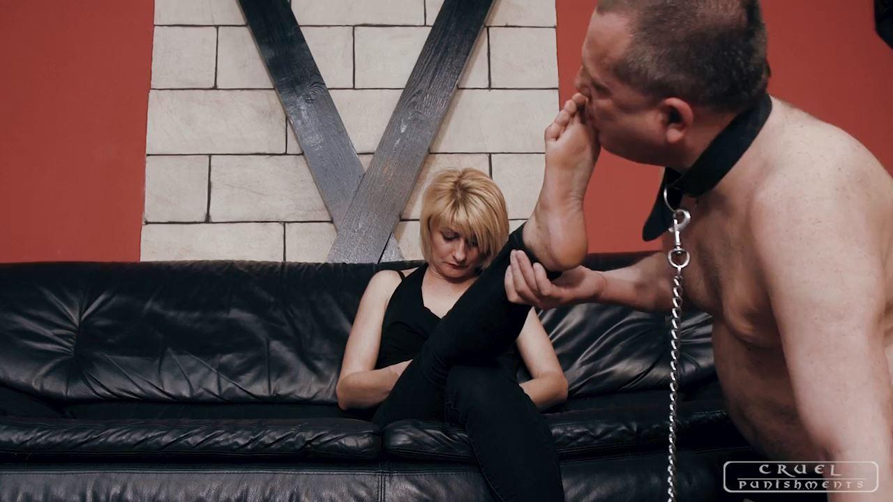 Mistress Bonnie In Scene: TENDER SOLE LICKS - CRUEL PUNISHMENTS - SEVERE FEMDOM - HD/720p/MP4