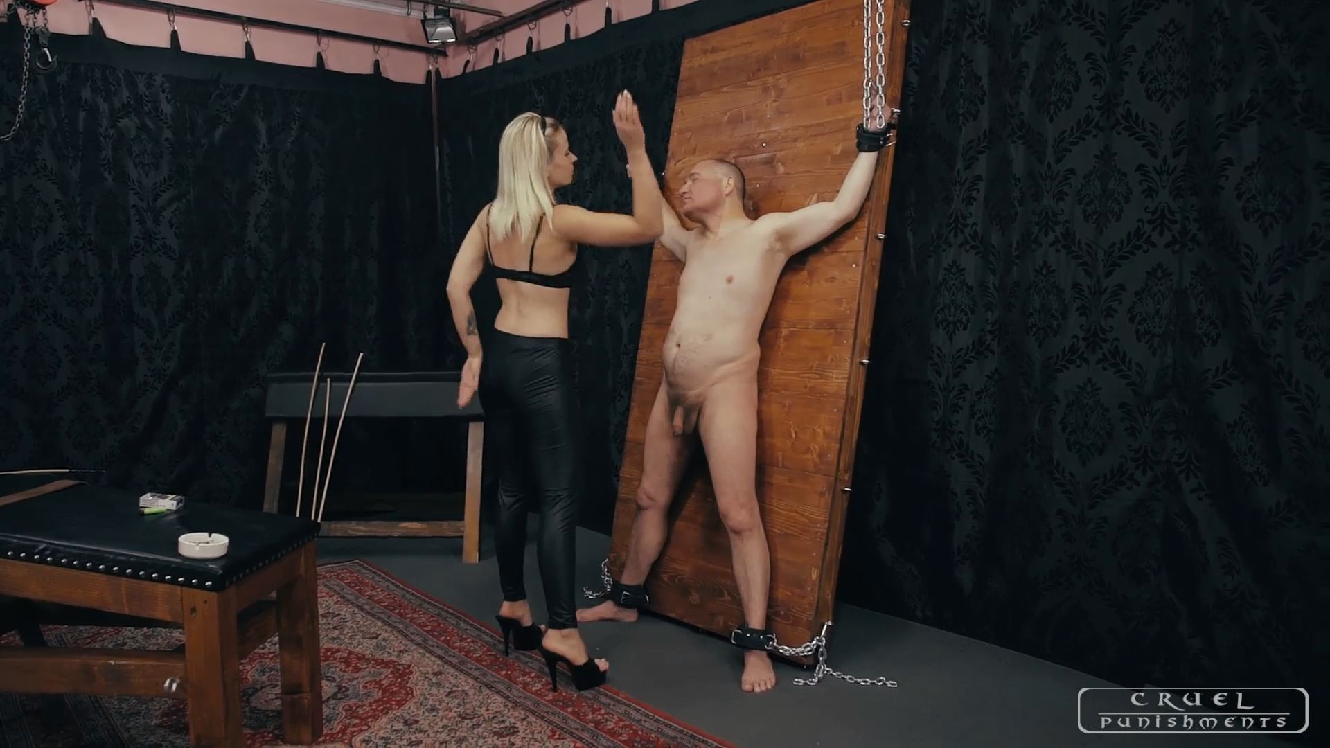 Mistress Anette In Scene: SLAPPING THE ASHTRAY - CRUEL PUNISHMENTS - SEVERE FEMDOM - FULL HD/1080p/MP4