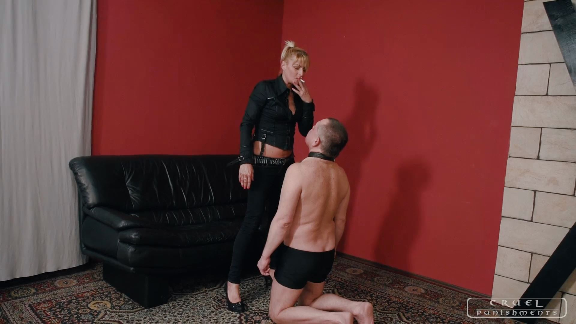 Mistress Bonnie In Scene: Strong hands - CRUEL PUNISHMENTS - SEVERE FEMDOM - FULL HD/1080p/MP4