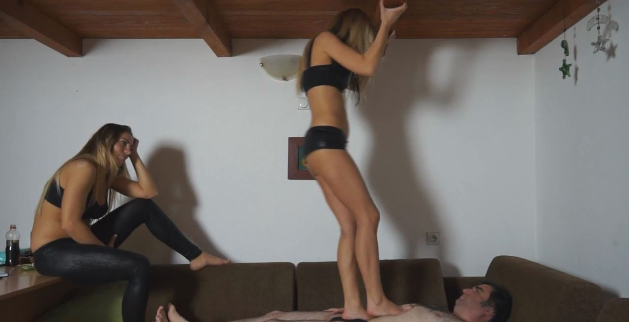 Two Blondes 04 - DUNEFEET - HD/720p/MP4