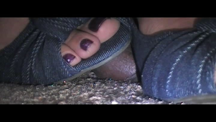 MS. FOXXY In Scene: COCK CRUSHED ON THE CONCRETE - EBONY COCK CRUSHING UNDER HEELS - SD/406p/MP4