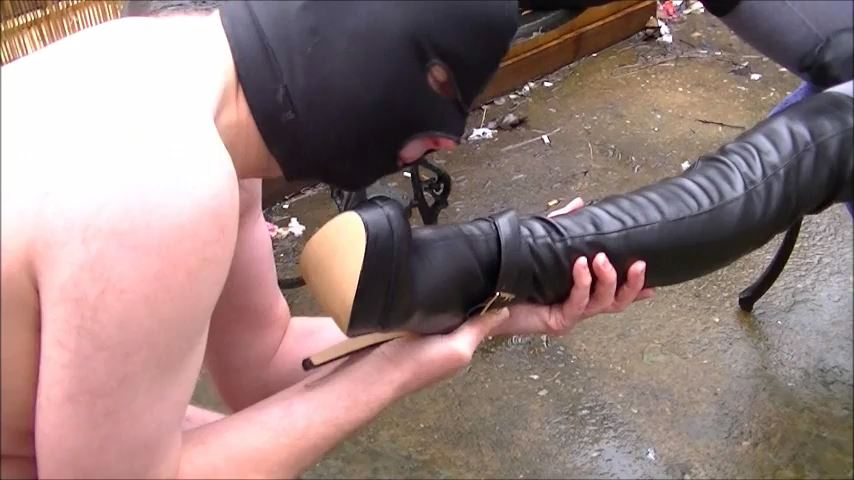 Mistress Elise In Scene: My Dirty New Boots - ELISE BULLIES BALLS UK - SD/480p/MP4