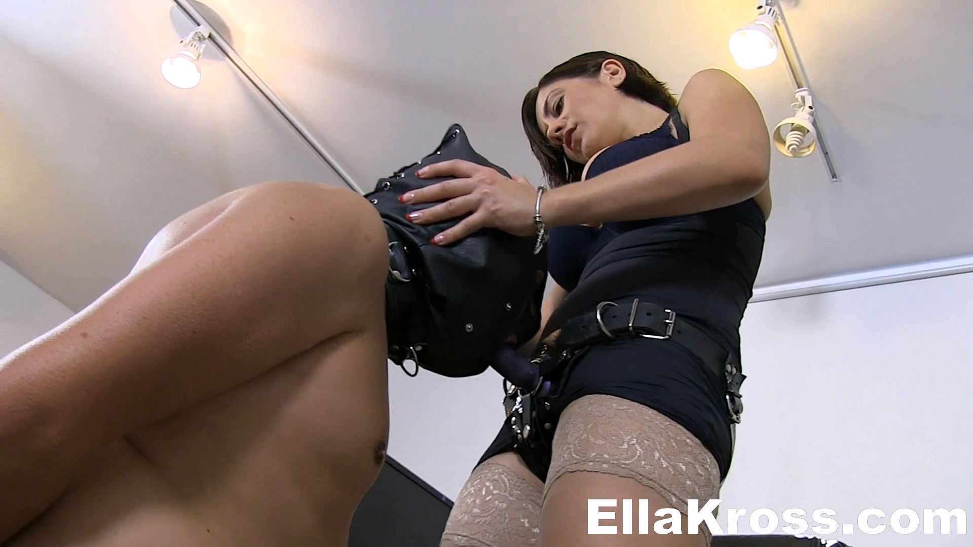 Ella Kross In Scene: Throat Fuck The Lazy - ELLAKROSS - FULL HD/1080p/MP4