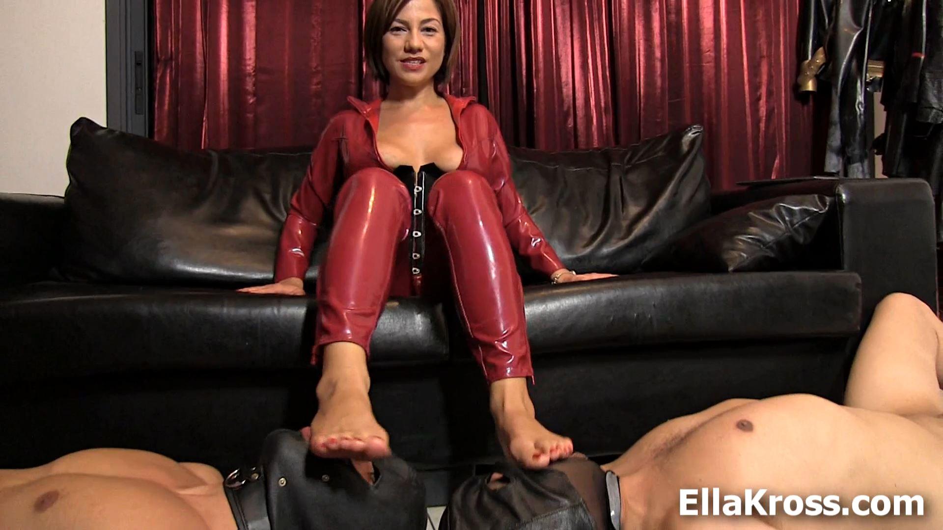 Ella Kross In Scene: Worship and Trampling - ELLAKROSS - FULL HD/1080p/MP4