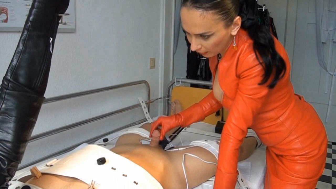 Fetish Diva Nadja In Scene: Slave training in the clinic Part 4 - FETISH-DIVA-NADJA - HD/720p/MP4