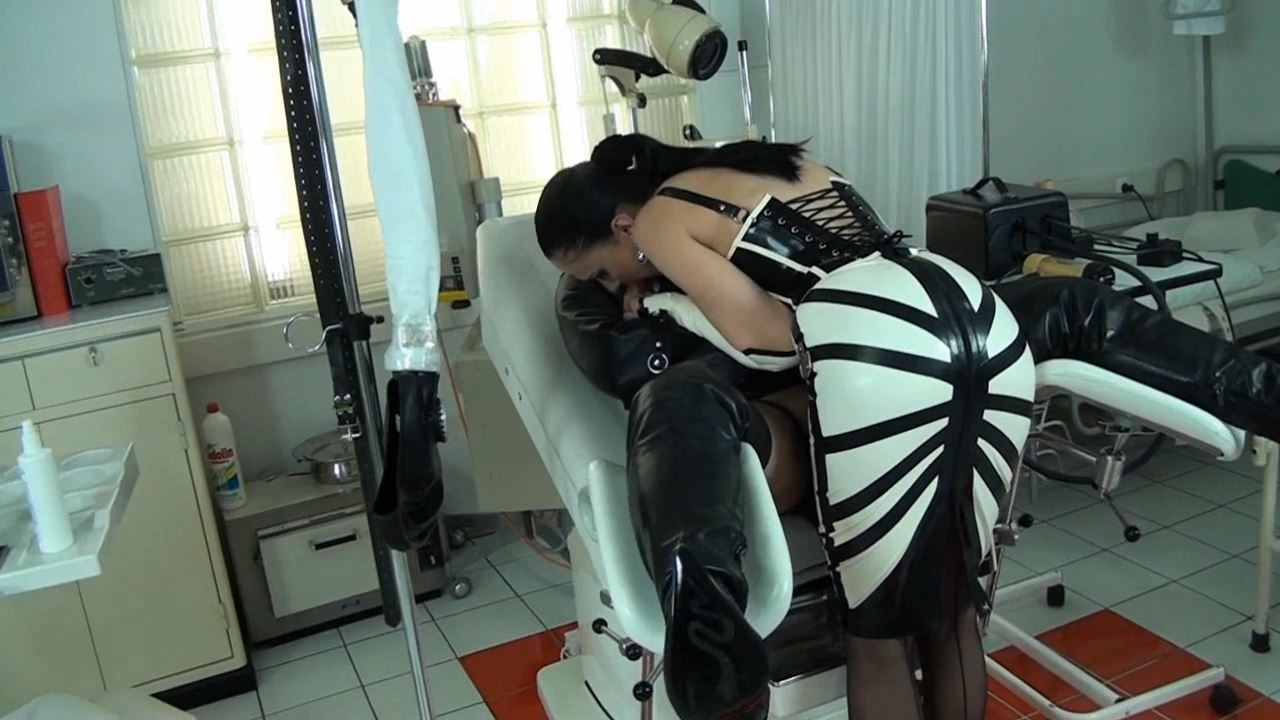Fetish Diva Nadja In Scene: Orgasm control and multiple compulsory deprivation of the slave with the Venus 2000 Part 2 - FETISH-DIVA-NADJA - HD/720p/MP4
