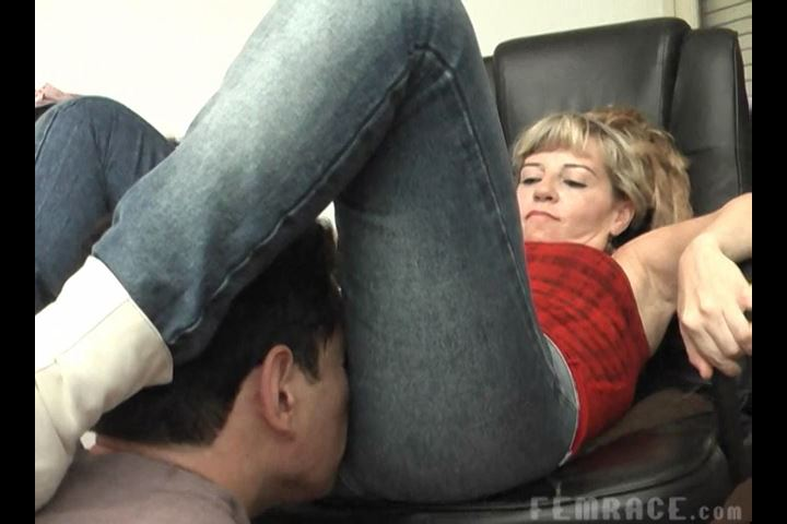 Mistress Dana In Scene: Gassy Girl Attack Chair Scene - CLIPS4SALE / DOMINANT GIRLS / FEMRACE - SD/480p/MP4