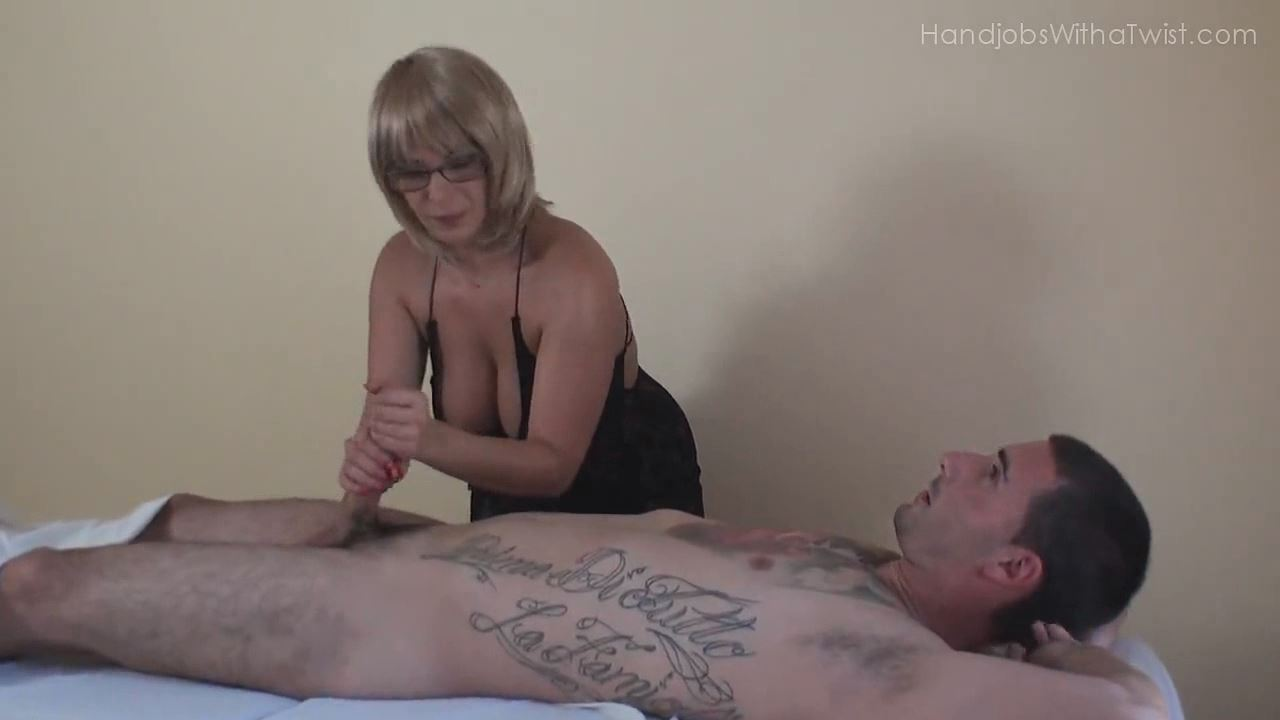 HAPPY ENDING FROM THE BUSTY MASSEUSE - HANDJOBSWITHATWIST - HD/720p/MP4