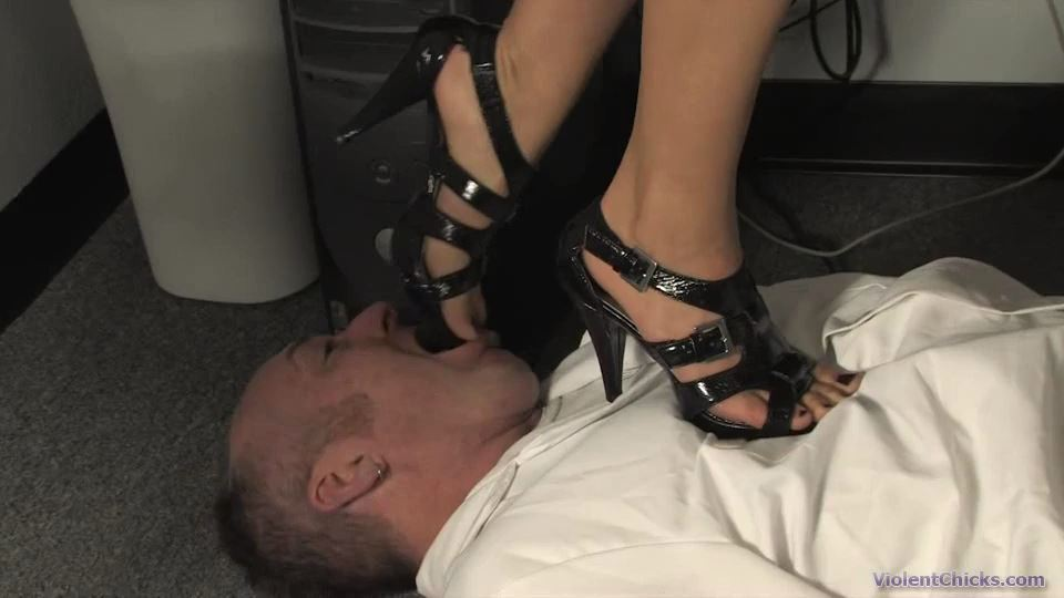 A patient walks into the doctors office - HEADUNDERHEELS - SD/540p/MP4