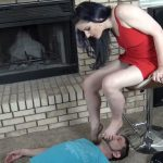 Face smother, sole licking and gagging on the foot – KISSHERFOOT – FULL HD/1080p/MP4