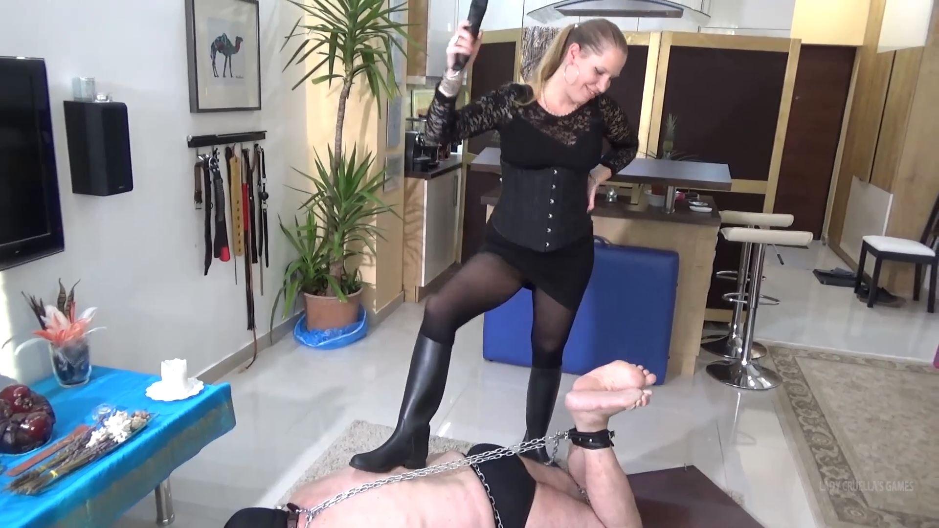 Lady Cruella In Scene: DOMESTIC HUSBAND - CRUEL FOOT SPANKING - LADY CRUELLAS GAMES - FULL HD/1080p/MP4