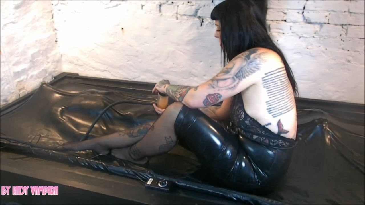 Lady Vampira In Scene: Training to Obedient Slaves Step 4: Reward - PIN UP DOMINATION BY LADY VAMPIRA - HD/720p/MP4