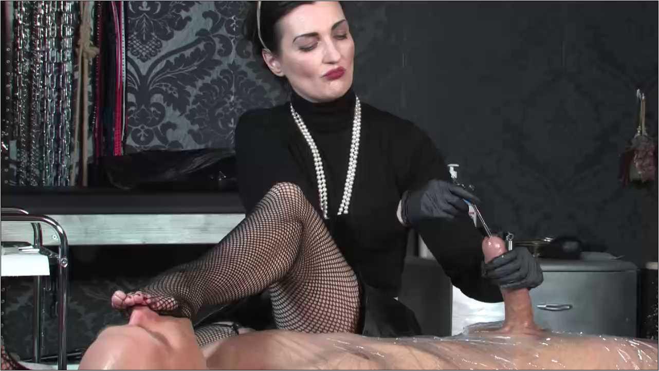 Lady Victoria Valente In Scene: Sounding Game - LADYVICTORIAVALENTE / REAL GERMAN MISTRESS - HD/720p/MP4