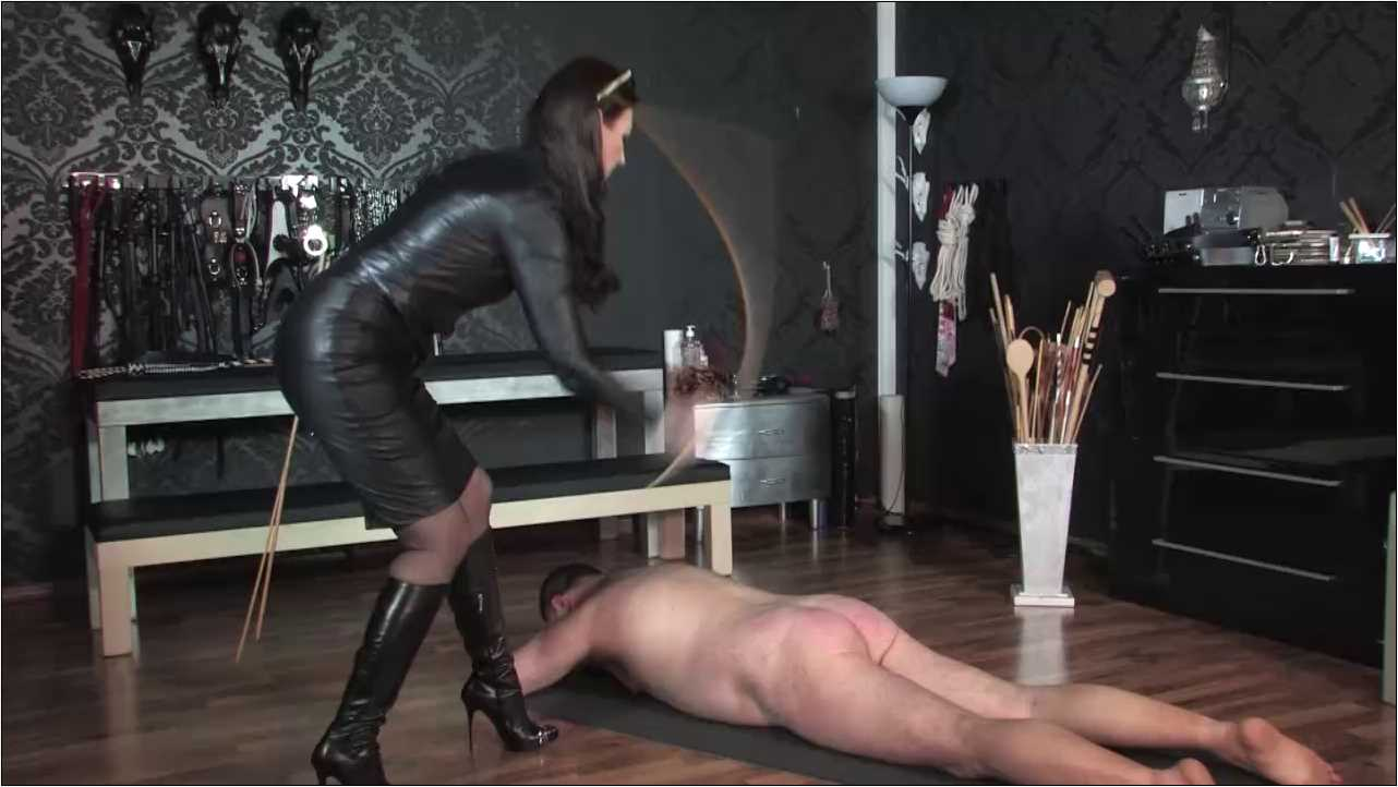 Lady Victoria Valente In Scene: Caning yes I can - LADYVICTORIAVALENTE / REAL GERMAN MISTRESS - HD/720p/MP4