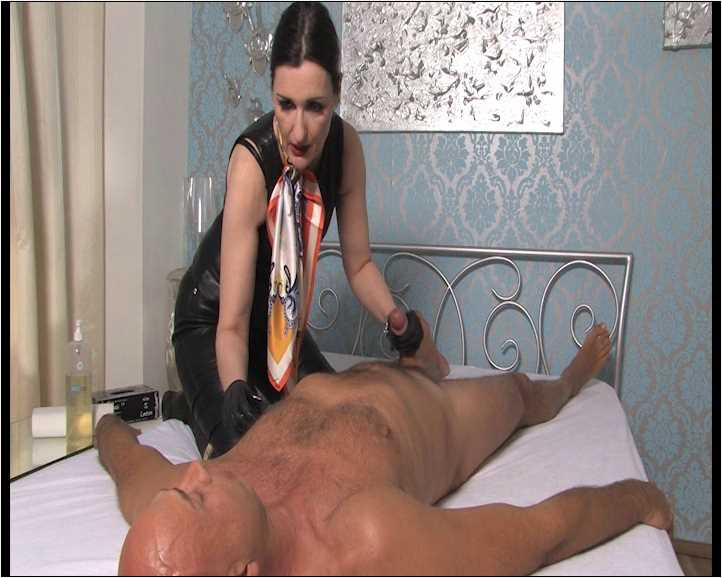 Lady Victoria Valente In Scene: Handjob in Leather Outfit - LADYVICTORIAVALENTE / REAL GERMAN MISTRESS - SD/576p/WMV