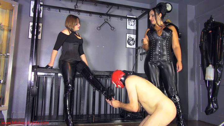 Mistress Ezada Sinn In Scene: Cheeky Bootlicker - MISTRESSEZADA - SD/406p/MP4