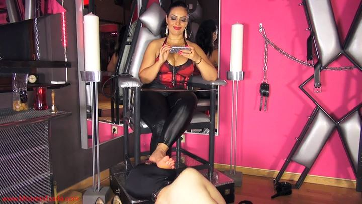 Mistress Ezada Sinn In Scene: Life Of Foot Slave - MISTRESSEZADA - SD/406p/MP4