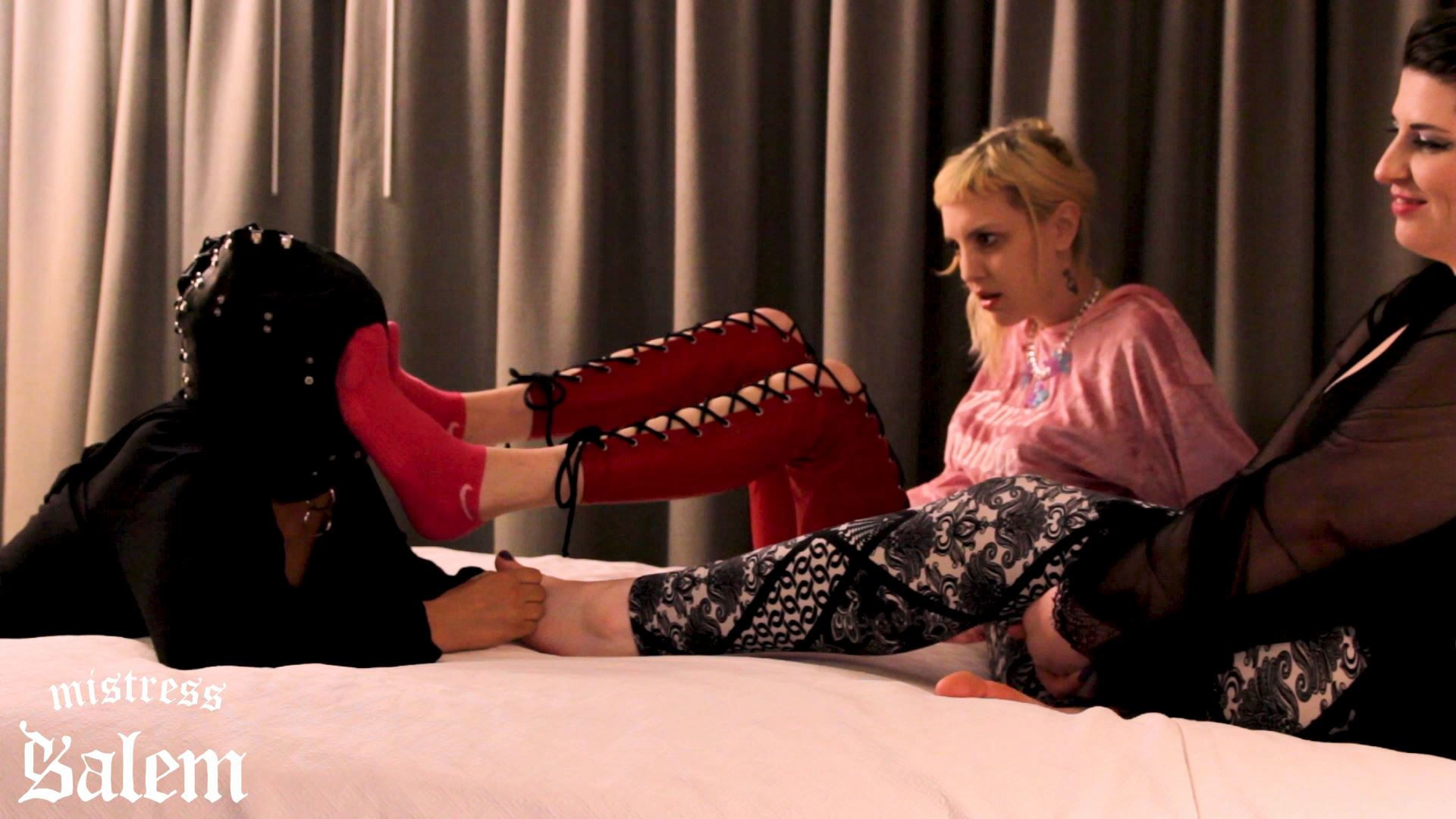Mistress Salem In Scene: FULL LENGTH FOOT SLAVE TRAINING LESSON - MISTERSS SALEM - FULL HD/1080p/MP4