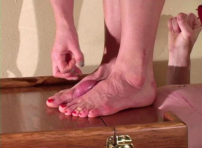 Debased Under Her Feet - MISTRESS TRISH - SD/480p/MP4