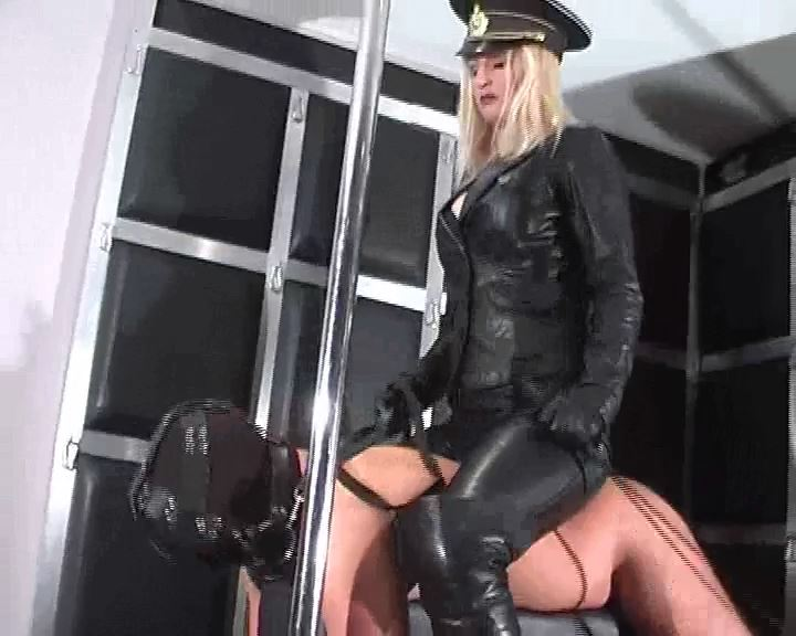 Mistress Kelly Kalashnik In Scene: TRAIN MY HUMAN ROCKING PONY - RIDING-MISTRESS / DUTCH FEMDOM - SD/576p/MP4
