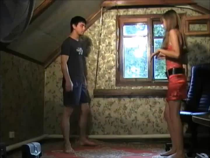 BIANCA SHOWS HIS SKILLS - RUSSIAN BALLBUSTING / BALLBUSTING ROKSANA - SD/540p/MP4