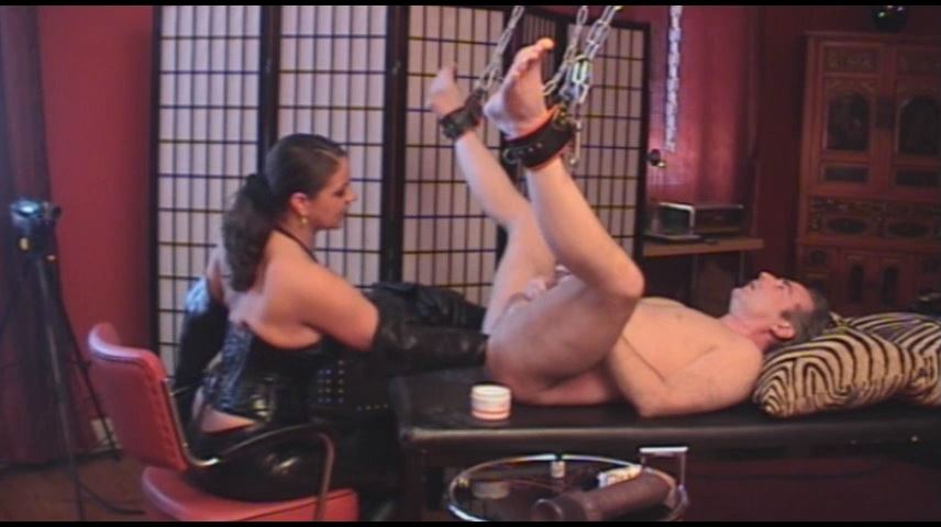 Lady Asmodena In Scene: Seducing Gay 11 - STRAPON-GODDESS - SD/480p/MP4