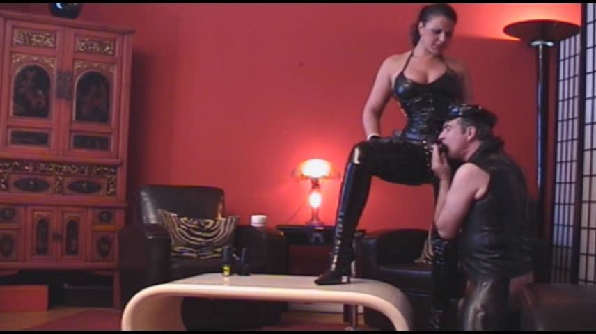 Lady Asmodena In Scene: Seducing Gay 3 - STRAPON-GODDESS - SD/480p/MP4