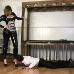 Mistress Evilyne Part 2 – WOMANWORSHIP – HD/720p/MP4