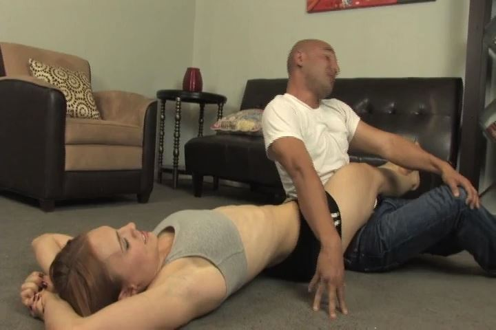 Jolene is testing how hard she can squeeze a man's head - BEATENBYGIRLS - SD/480p/MP4