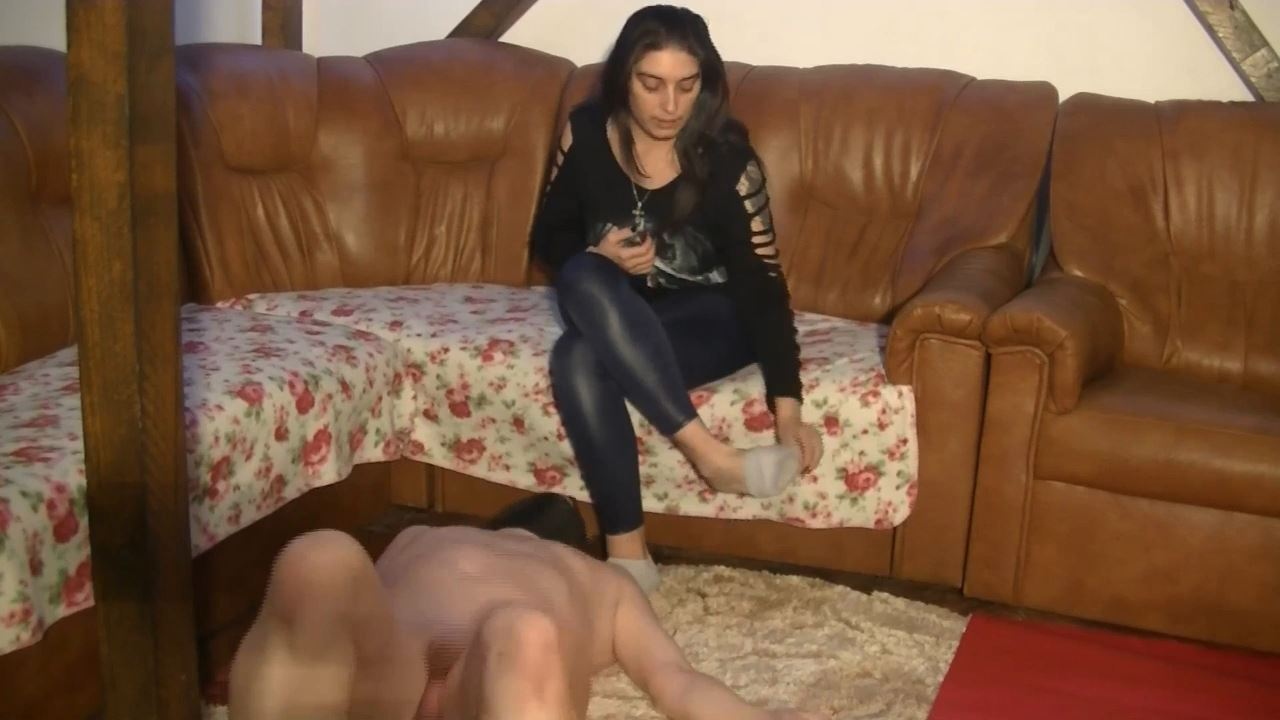Mistress Roberta In Scene: Leggings worshipping socks and ass spanking - BIZARRE GODDESSES FROM ROMANIA - HD/720p/MP4